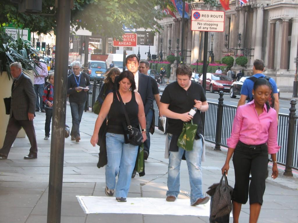 STREET ART CLAUDIO AREZZO DI TRIFILETTI IMPRINTS LONDON 2009