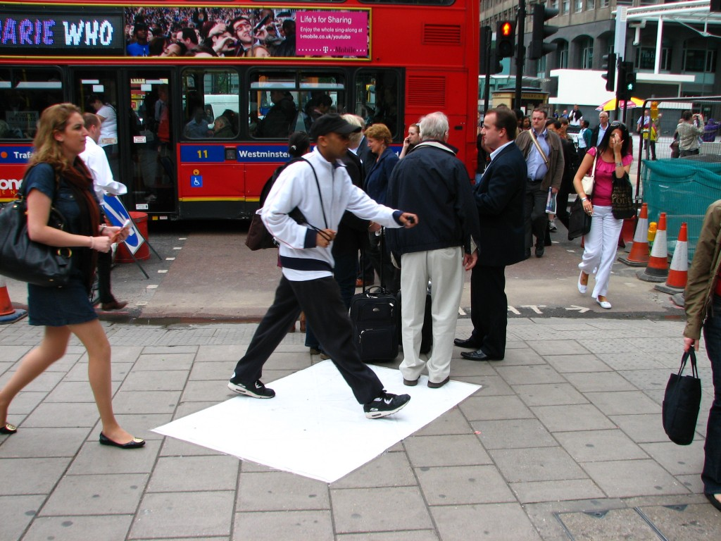 STREET ART CLAUDIO AREZZO DI TRIFILETTI 2009 IMPRINTS LONDON
