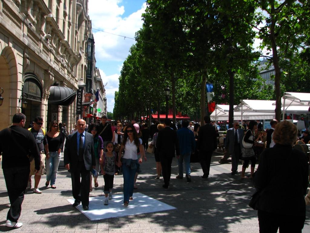 STREET ART CLAUDIO AREZZO DI TRIFILETTI 2009 IMPRINTS PARIS