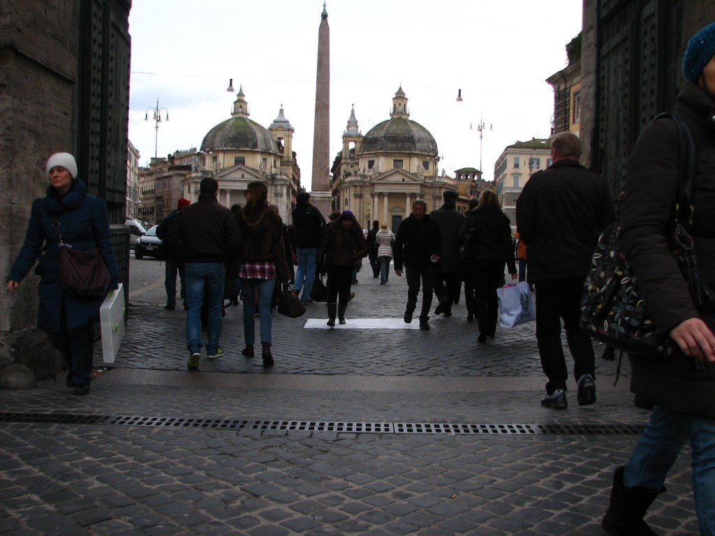 STREET ART CLAUDIO AREZZO DI TRIFILETTI - PIAZZA DEL POPOLO IMPRINTS ROME 2010