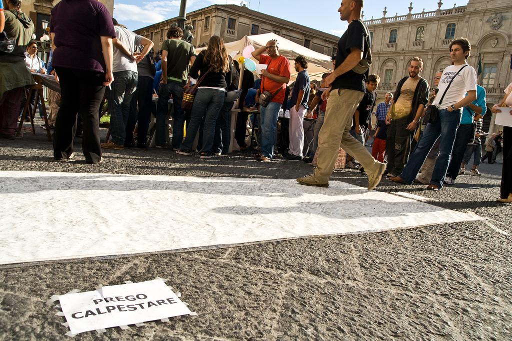 STREET ART CLAUDIO AREZZO DI TRIFILETTI 2007 IMPRINTS CATANIA