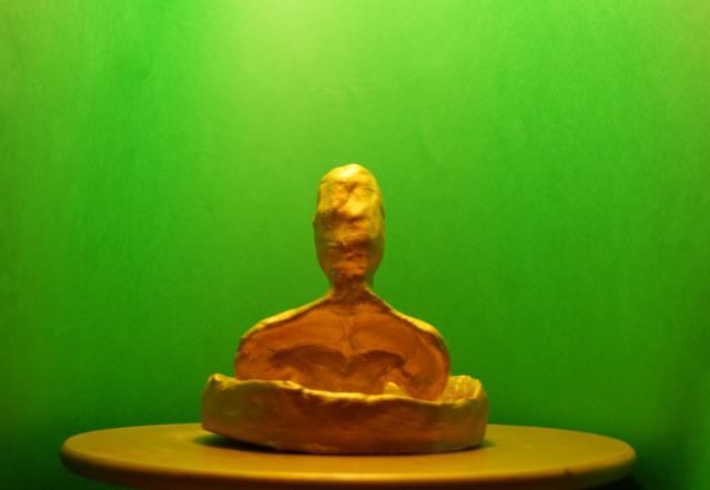 argilla dipinta d'oro